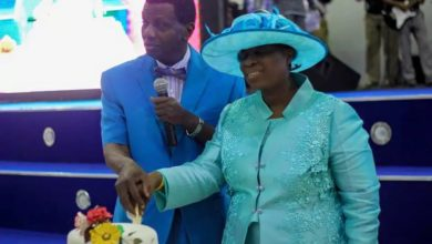 Photo of So Romantic!! Pastor Adeboye Calls Wife 'Sweet Baby' As She Marks Her Birthday – see PHOTOs!