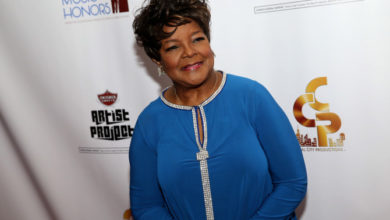 Photo of Pastor Shirley Caesar Sues Atlanta DJ For $5M Over #UNameItChallenge