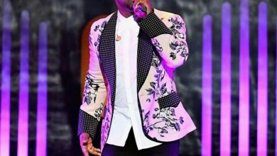 Photo of #GMPSundayFashion – Vashawn Mitchell Goes Classy in Floral Prints