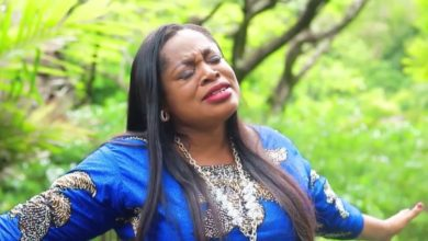 Photo of [Watch] Sinach Releases New Video, No Other Name