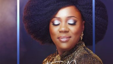 "Photo of Toluwanimee Offers Up Awe-Inspiring Ballad ""The Reason"""