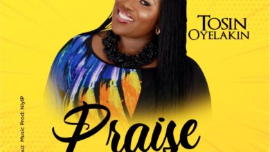"""Photo of Tosin Oyelakin """"Praise Him"""" with a New Song"""