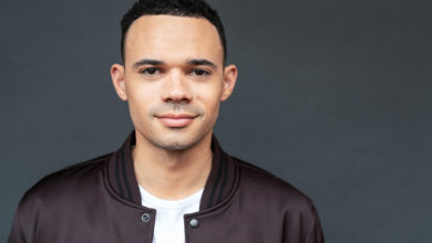 """Photo of Tauren Wells Sings """"Great Are You Lord"""" (Live)"""