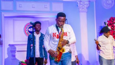 "Photo of PHOTOs from ""TOTAL PRAISE"" with Desanya"