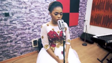 "Photo of Chidinma Sings ""HOLY"" in New Song Prod. by Frank Edwards"