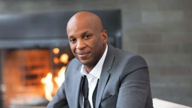 """Photo of Donnie McClurkin Reminds Us """"There Is God"""" – New Song & Video"""