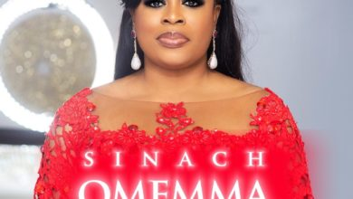 Photo of Omemma: Sinach sings in Igbo in New Song, Video
