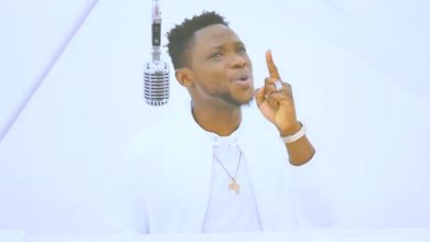 "Photo of Thobbie Debuts New Video ""You are still God"""